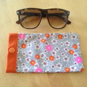 Maman cactus, coton, fait main, étuis à lunettes,liberty, orange, rose, gris, fleurs.