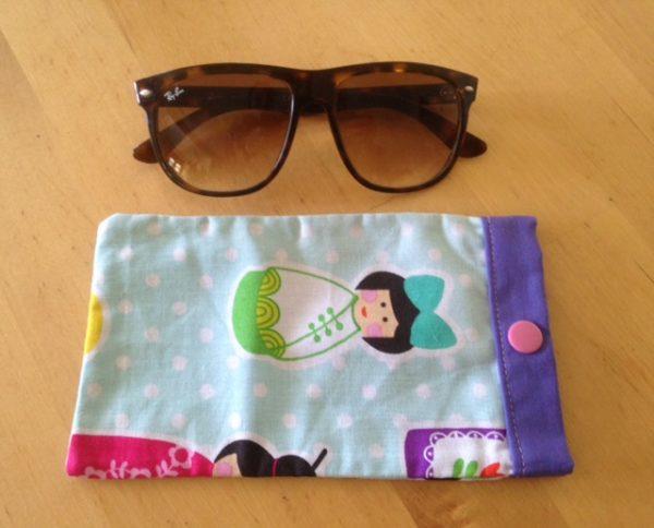 Maman cactus, coton, fait main, étuis à lunettes,bleu ciel, poupées du monde, violet