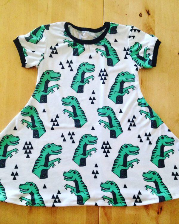 robe qui tourne, maman cactus, cousu main, fait main, robe évasé, confort, vêtement fille,
