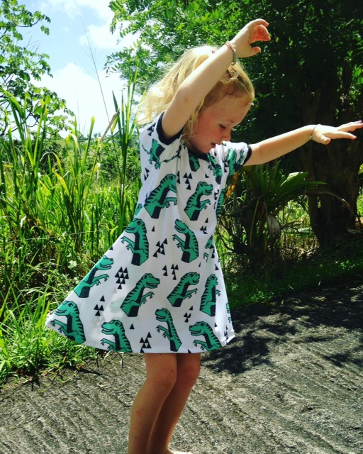 dinosaures, graphique, vert, coton bio, robe qui tourne, maman cactus, cousu main, fait main, robe évasé, confort, vêtement fille,#mamancactus #madeinmartinique #robequitourne #faitmain #dress #couturesurmesure #babyvintageshop #tissufleuri #tropical #tissubennytex #wedding #robeceremonie #soleildaout #citypark #vacances #danceuse #instakids #style #muminlove #profiterdechaquemoment #jourdemariage #coucherdesoleil #slowfashion #coton #cotondress #weddingday #memories #smile #sourisalavie #nature #weekend #love #smiling #laviestbelle #sapecommejamais #copcopine #madeinfrance #artisanat #robepatineuse #jecoudsdoncjesuis #jepeuxpasjaicouture #sewaddicted #instacouture #jecoudspourvous #fashion #rose