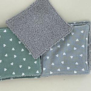 lingettes lavable en éponge de bambou toute douce Maman Cactus idéales pour se demaquiller ou nettoyer les fesses de bébé.